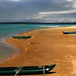 Canoe at trincomalee-beach